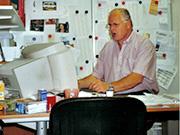 Ernst achter het bureau