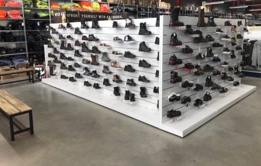 Schoenen afdeling compleet vernieuwd!